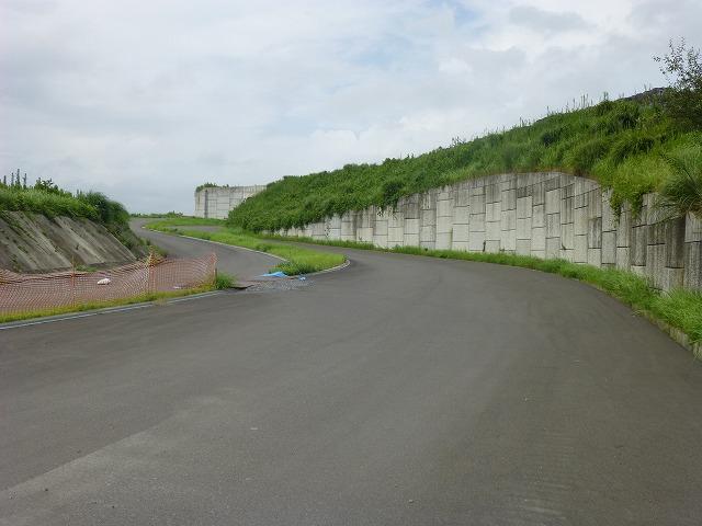 近くに高速も建設中です。